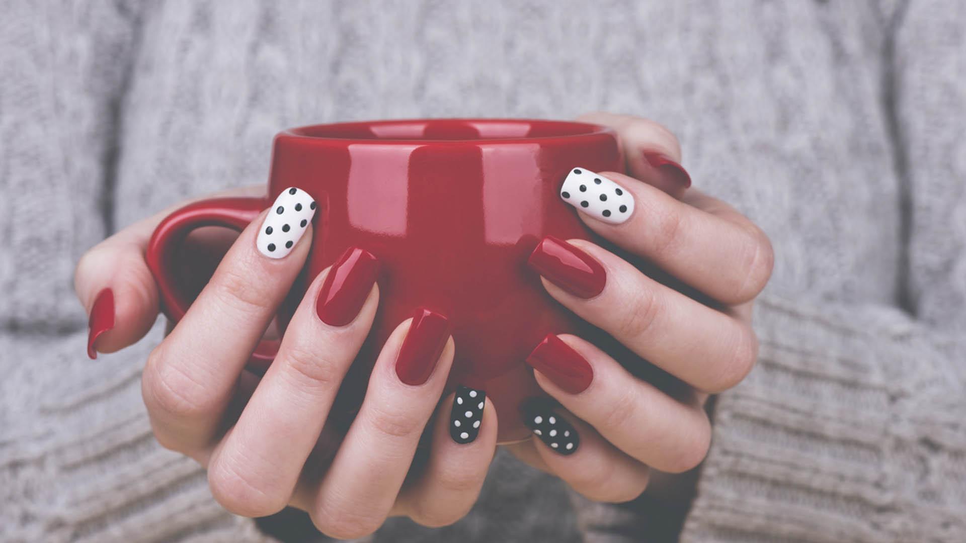 Stippen op je nagels nail art nagellak