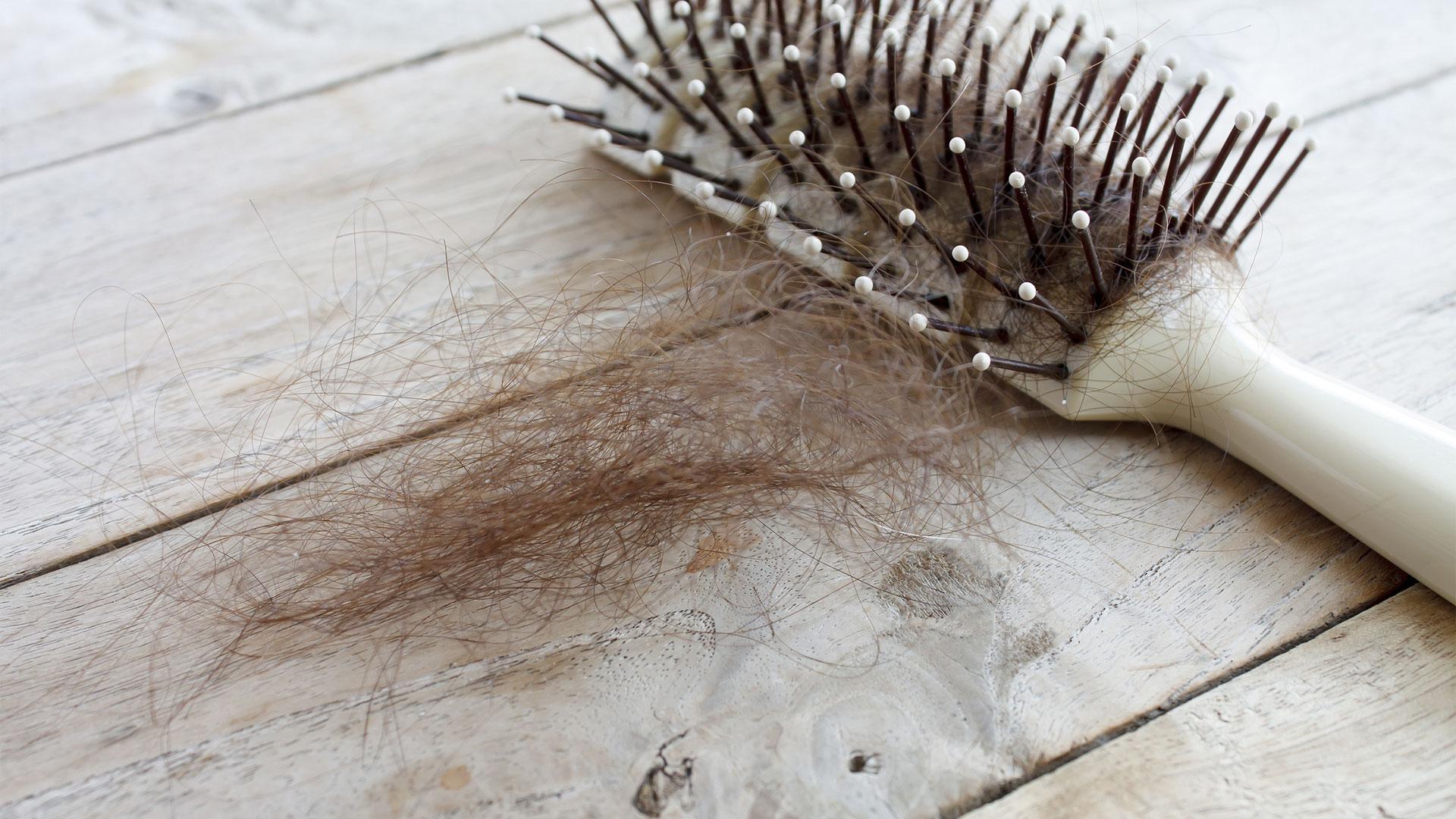 Lifehack haarborstel weer schoon